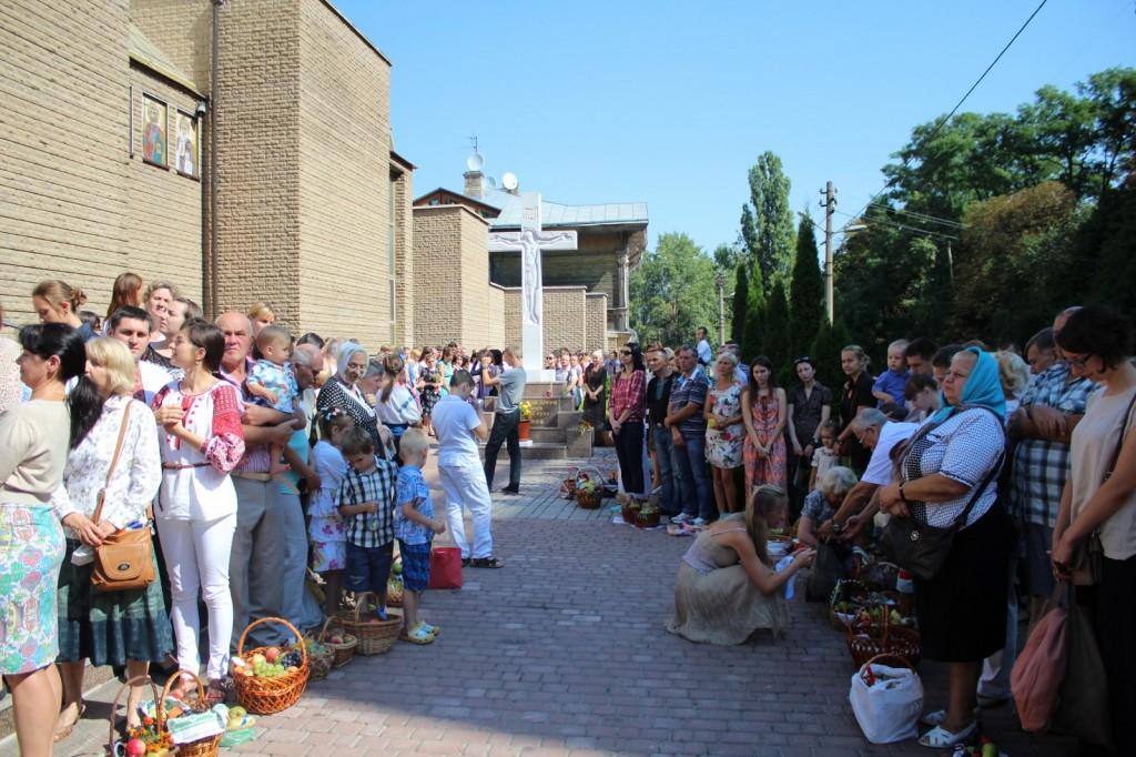2014-08-19 - Kyiv - Pered chramom UHKC (6)_1600x1067