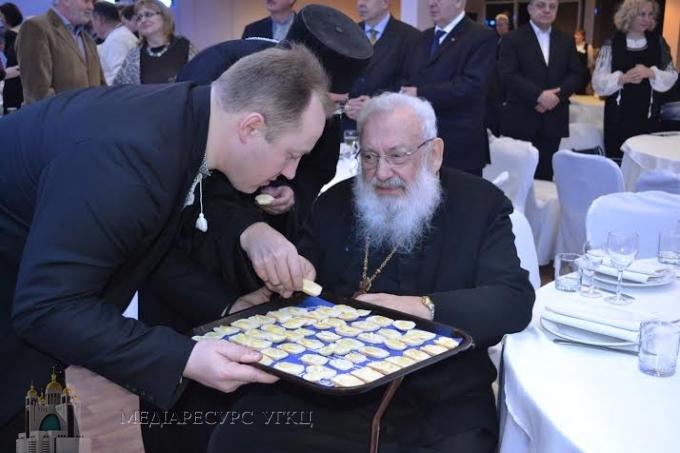 Блаженніший Любомир Гузар під час Різдвяної Просфори у Києві